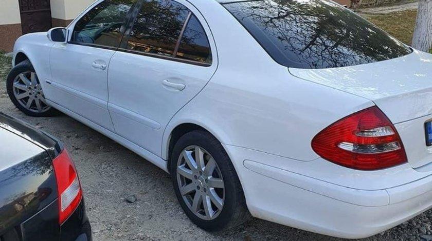 Mercedes E 200 2,2 2005