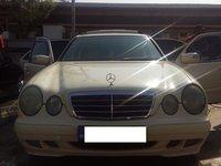 Mercedes E 200 x 2000