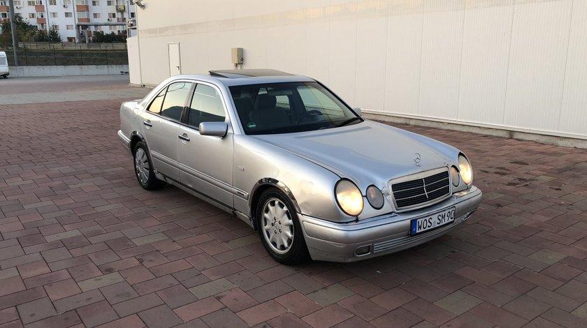 Mercedes E 280 2.8i 2000