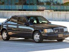 Mercedes E300 diesel cu 412.000 km la bord