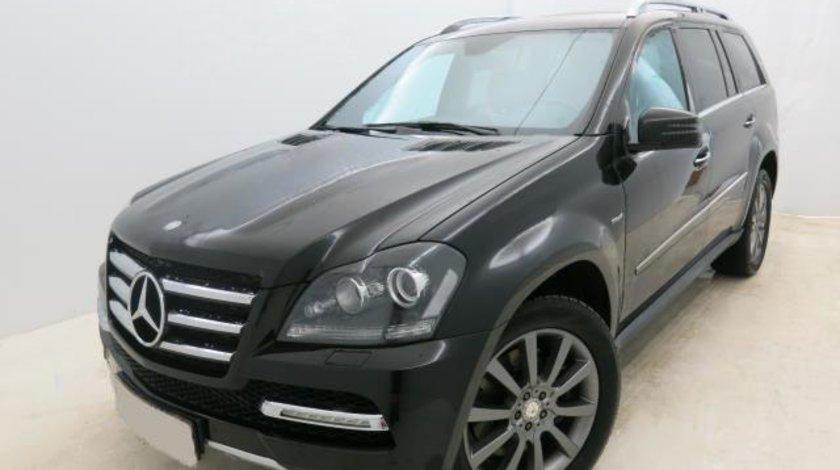 Mercedes GL 320 350 CDI 4MATIC BlueEFFICIENCY 7G-TRONIC Grand Edition - 2.987 cc / 265 CP 2012
