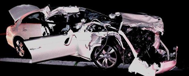 Mercedes promoveaza siguranta modelelor sale