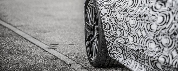 Mercedes publica primele fotografii oficiale ale noului C63 Coupe