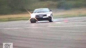 Mercedes SLR distruge un set de pneuri pe pista Top Gear