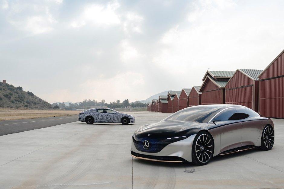 Mercedes Vision EQS si Mercedes EQS