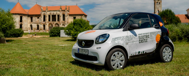 Micutele masini smart vor fi Official Ride la Electric Castle Festival