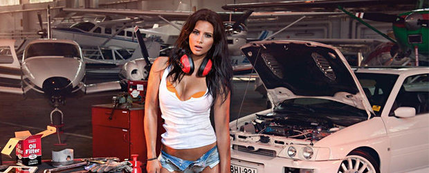 Miss Tuning Calendar 2013 - O sexy bruneta, plus multe masini tunate