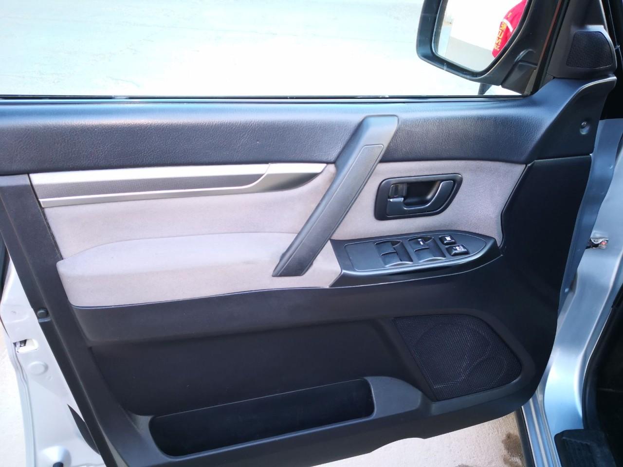 Mitsubishi Pajero 3.2 2010
