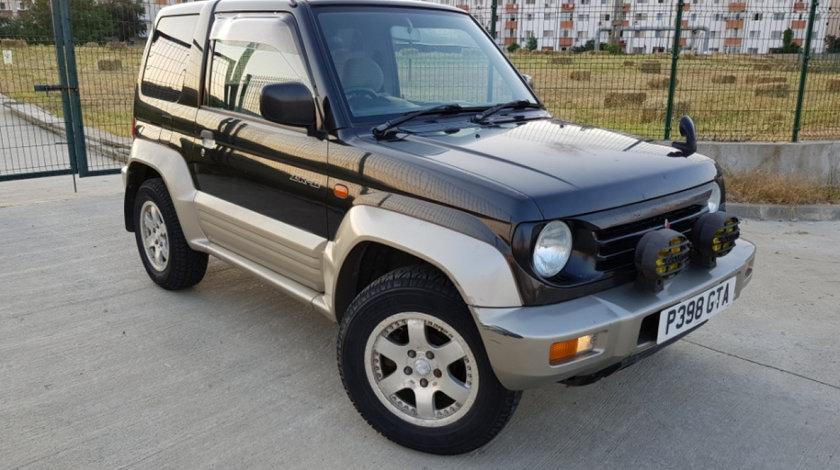 Mitsubishi Pajero Junior 1996