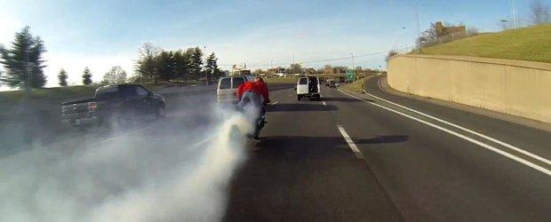 Moartea unui cauciuc: cel mai lung burnout cu motocicleta