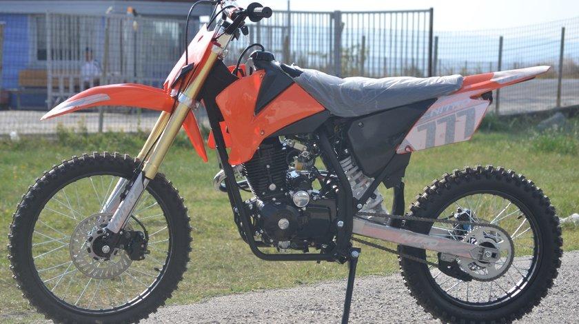 Model: Hurricane Dirt bike 250cc  ENFIELD-NORTON