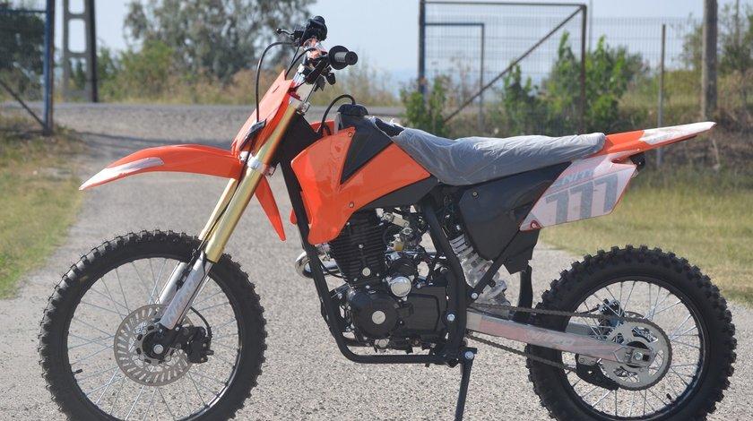 Model: Hurricane Dirt bike 250cc