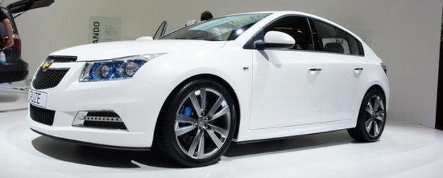 Modelul Cruze hatchback va fi lansat in premiera mondiala la Geneva