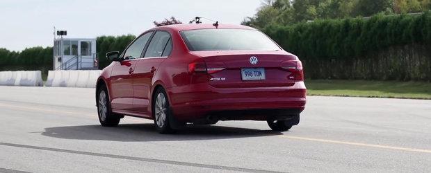 Momentul Adevarului: Cum se descurca pe strada un VW masluit fata de unul normal?