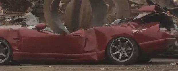 Momentul dureros in care un Nissan Skyline R33 e distrus de autoritatile americane