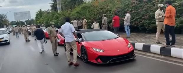 Momentul in care autoritatile din India confisca mai multe masini de lux din cauza ca soferii lor nu si-au platit taxele la timp. Video