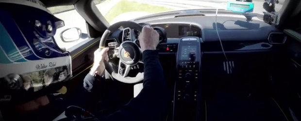 Momentul in care Walter Rohrl da cu Porsche-le 918 de 'gard'
