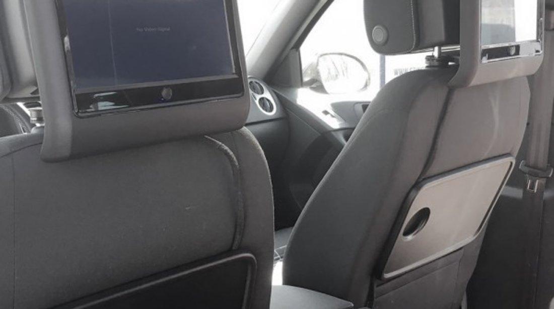 MONITOR AUTO TETIERA NEGRU ECRAN 9'' VW PASSAT CC TOUCHSCREEN DVD PLAYER SD USB PNI DB900 HD
