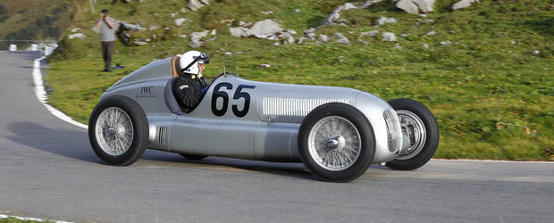 Monoposturile de Formula 1 Mercedes Silver Arrows implinesc 80 de ani