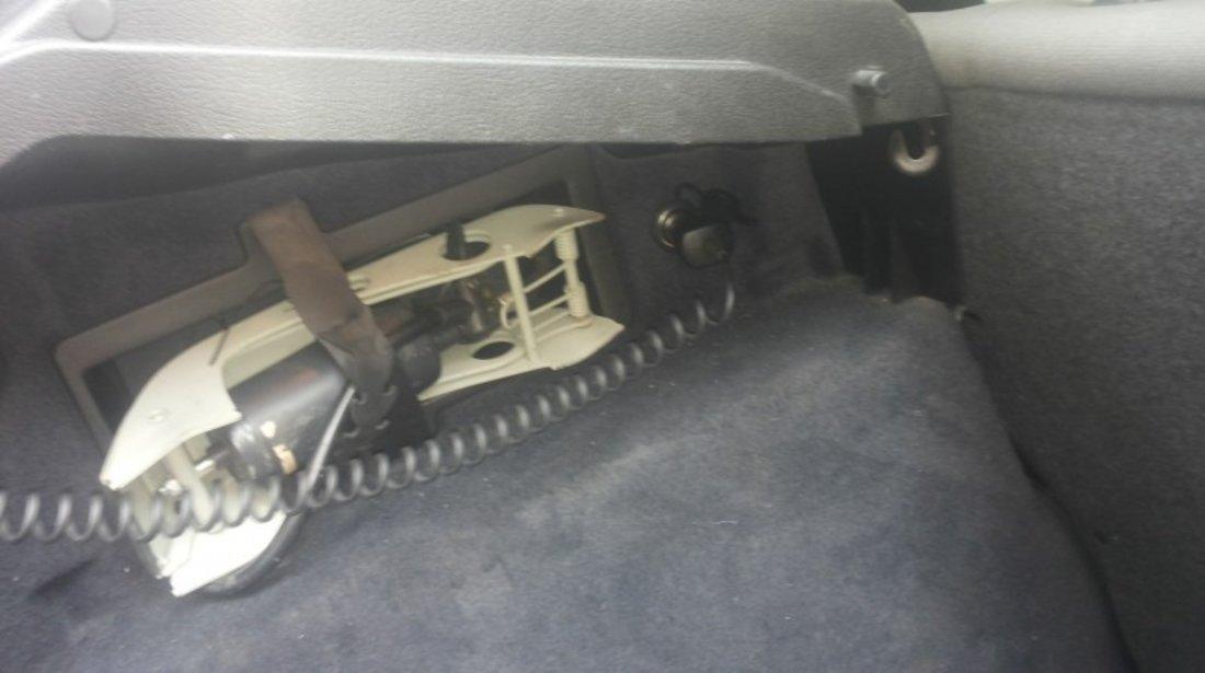Montam priza suplimentara bricheta portbagaj la orice tip de autoturism