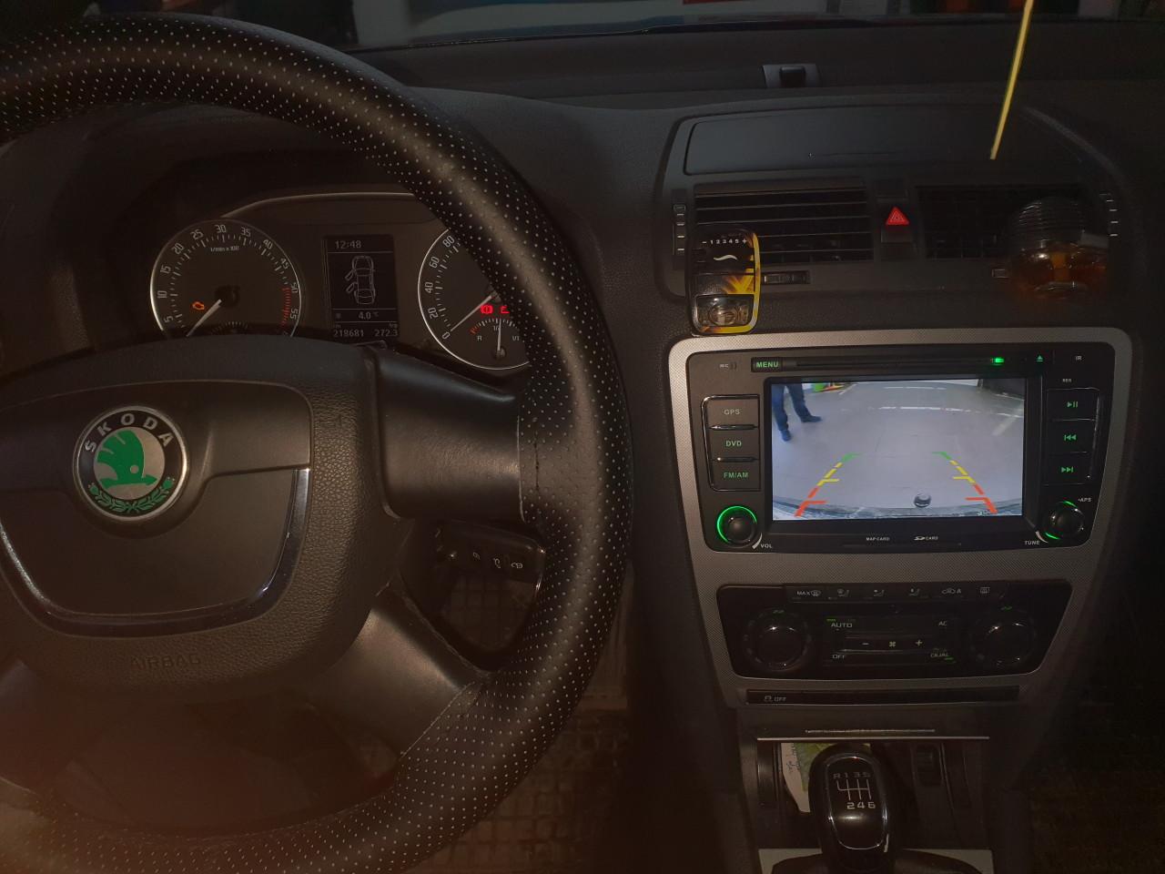 Montez navigații dedicate GPS dvd tetiere camere video boxe subwoofer alarme incălzire scaune