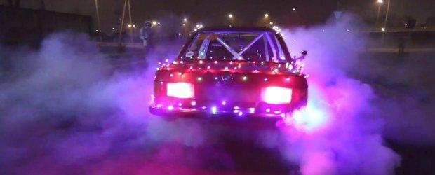 Mos Craciun a dat sania pe un BMW E30 de drift