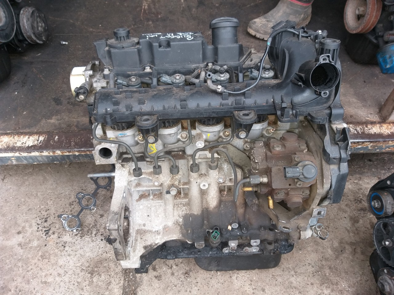 Motor Complet Fara Anexe Peugeot 1.4 hdci 50 Kw