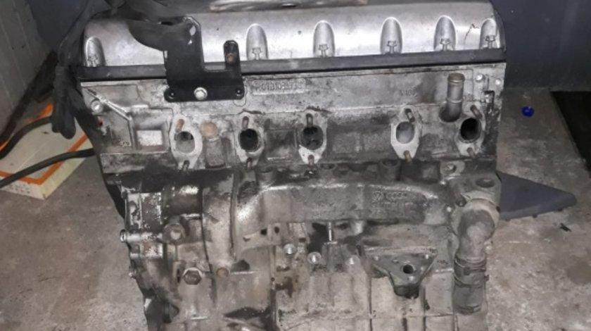 Motor fara anexe VW Transporter T5 2.5 TDI 2006