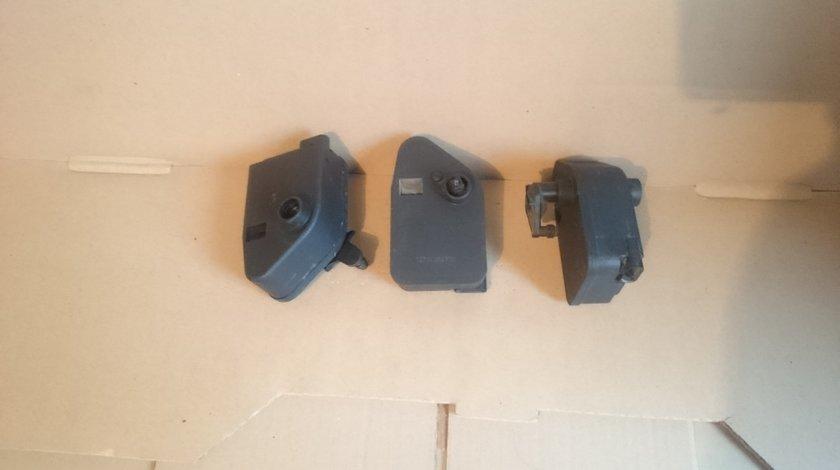 Motoras actionare grila electica radiator BMW E70, E71, E81, E87, E82, X3 E83, E90, E91 cod 6938297