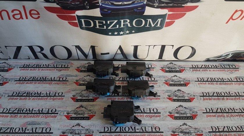 Motoras clapete aeroterma bord original Audi TT 8J cod piesa : 1K1907511E