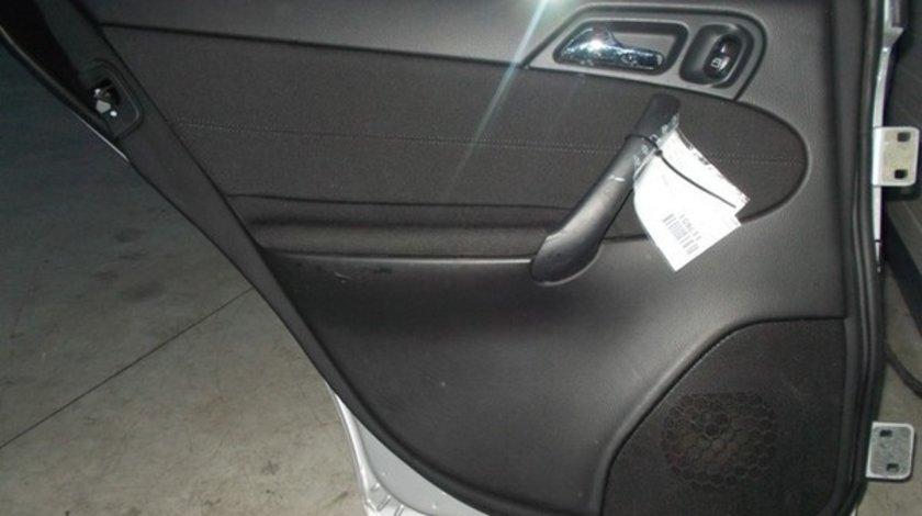 Motoras cu macara stanga spate, Mercedes Clasa C T-Model (S203)