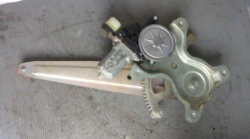 Motoras cu macara usa dreapta spate mitsubishi l200 mn182353