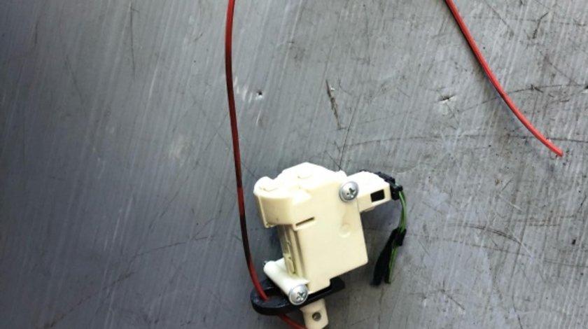 Motoras deschidere usa rezervor audi a4 b7 8e0062153a 3b0959781