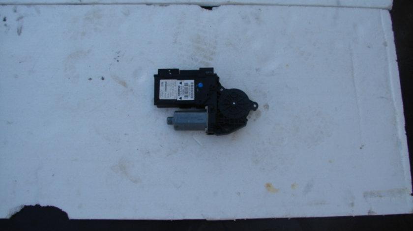 Motoras geam cu calculator Audi A4 B6 [2000 - 2005] Sedan 1.9 TDI 5MT (130 hp) 1.9 TDI AWX
