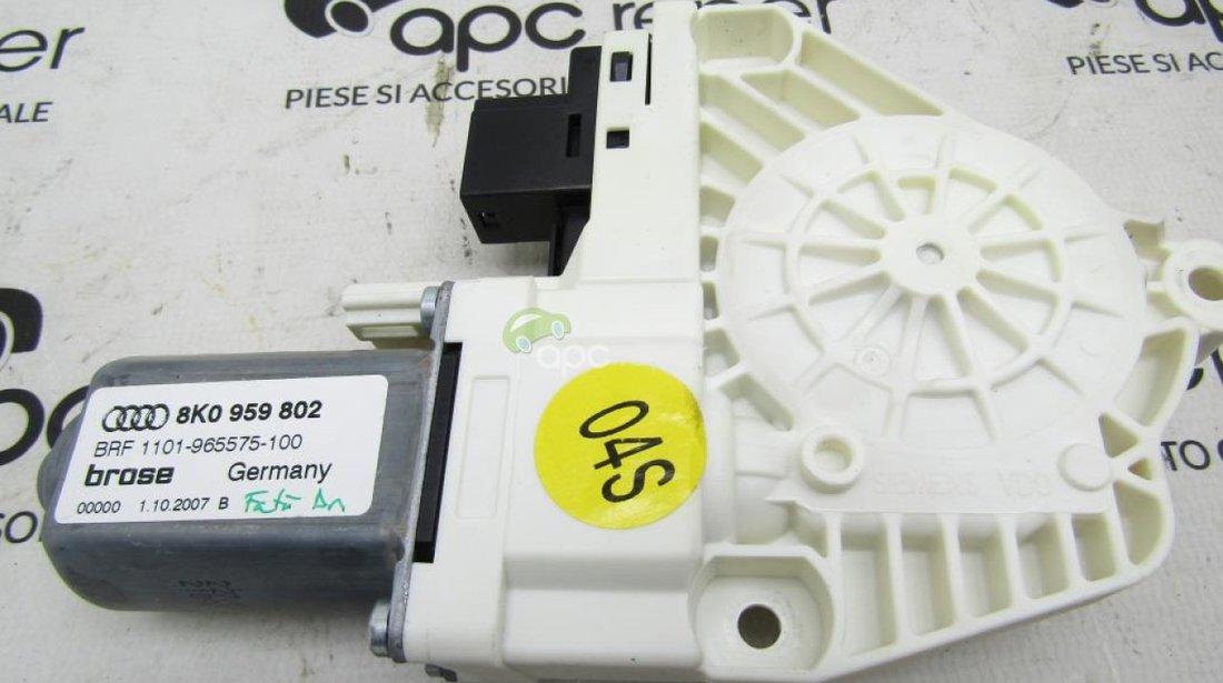 Motoras geam dreapta fata Audi A4 B8 cod 8K0959802