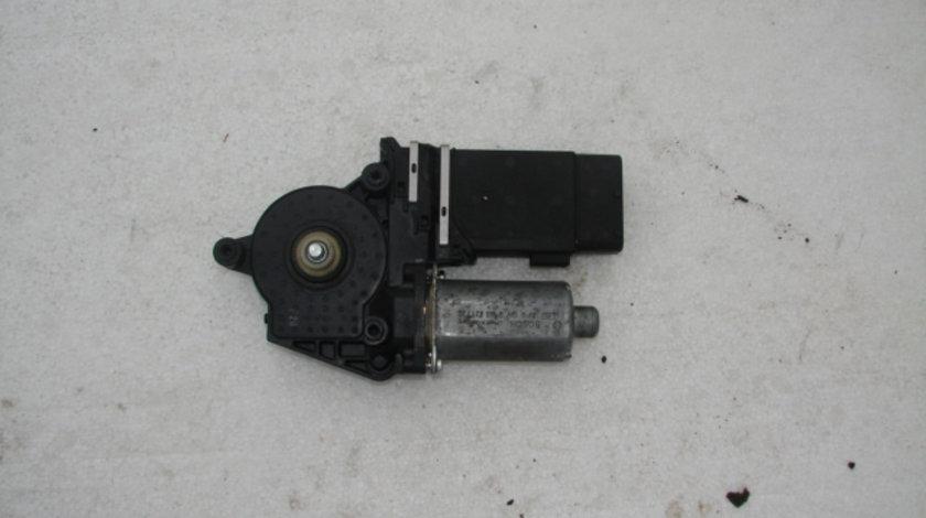 Motoras geam dreapta fata Skoda Octavia prima generatie [facelift] [2000 - 2010] Combi wagon 5-usi 1.9 TDI MT (110 hp) (1U5)