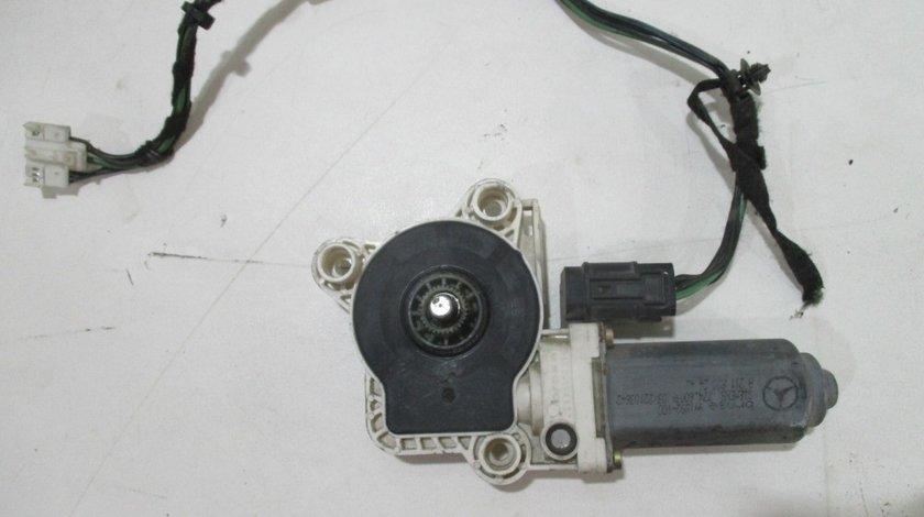 Motoras geam dreapta spate E-Class W211 an 2004-2009 cod A2118202442
