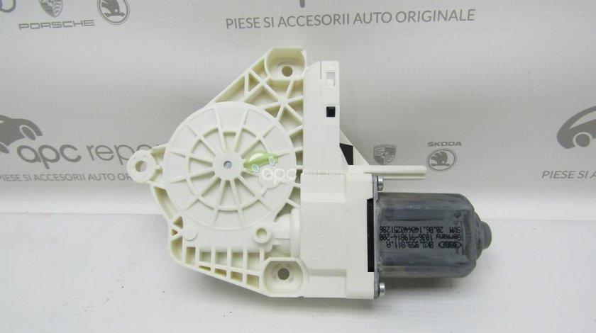 Motoras geam electric spate stanga Audi - Cod: 8K0959811A