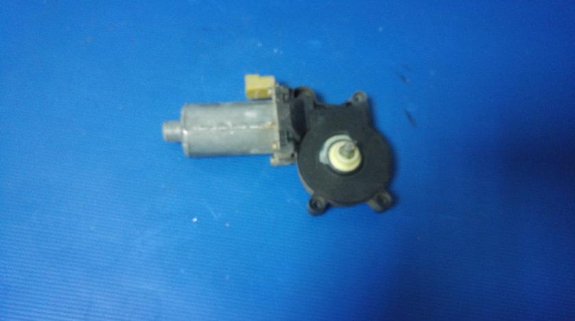 Motoras geam electric stanga fata bmw seria 3 e46 676283620630 0130821716