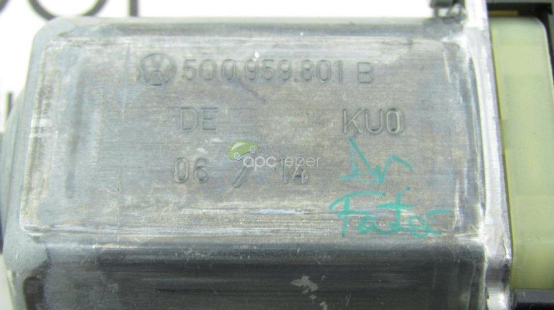 Motoras geam fata dreapta Audi A3 8V - VW Golf 7 cod 5Q0959801B