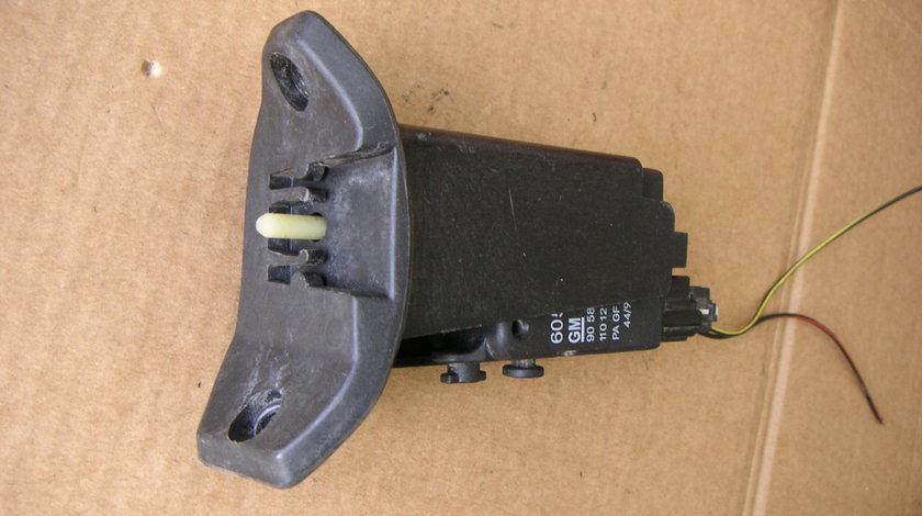 Motoras inchidere usa rezervor Opel Astra G,  Zafira A cod - 90589918