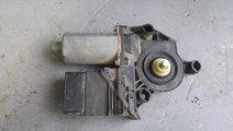 Motoras macara dreapta spate vw golf 4 0130821766