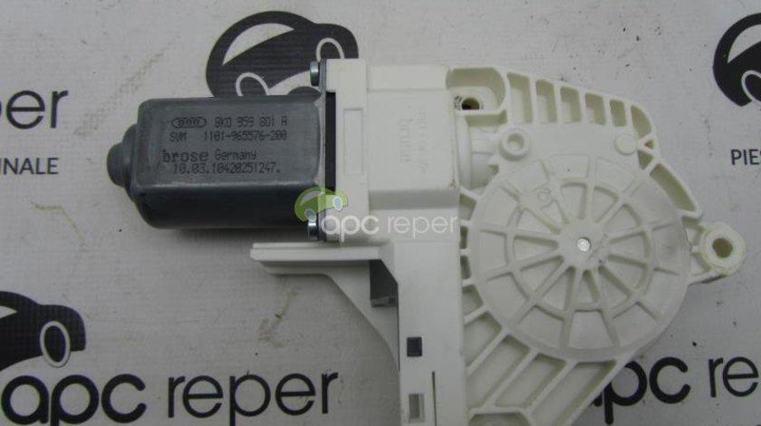 Motoras macara electric Audi Q7 4L 2012 cod 8k0959801A