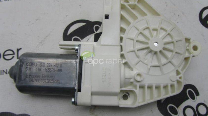 Motoras macara electric Audi Q7 4L 2012 cod 8k0959802A
