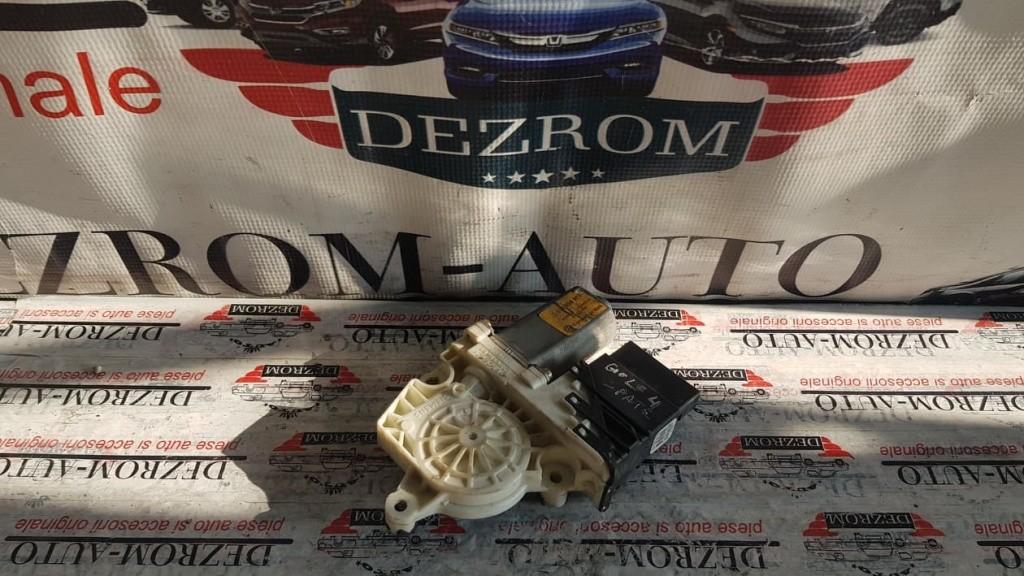 Motoras macara electrica dreapta spate Seat Toledo 1M cod piesa : 1J4959812C