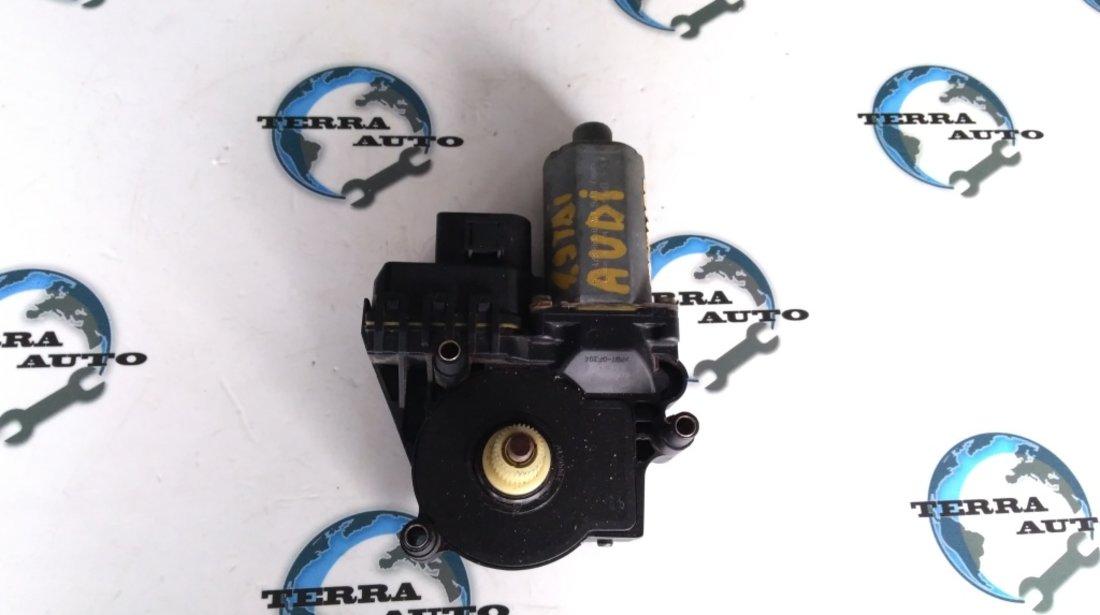 Motoras macara geam dreapta fata Audi A6 C5 cod 0130821774