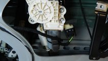 Motoras macara geam dreapta fata Mercedes CLS W 21...