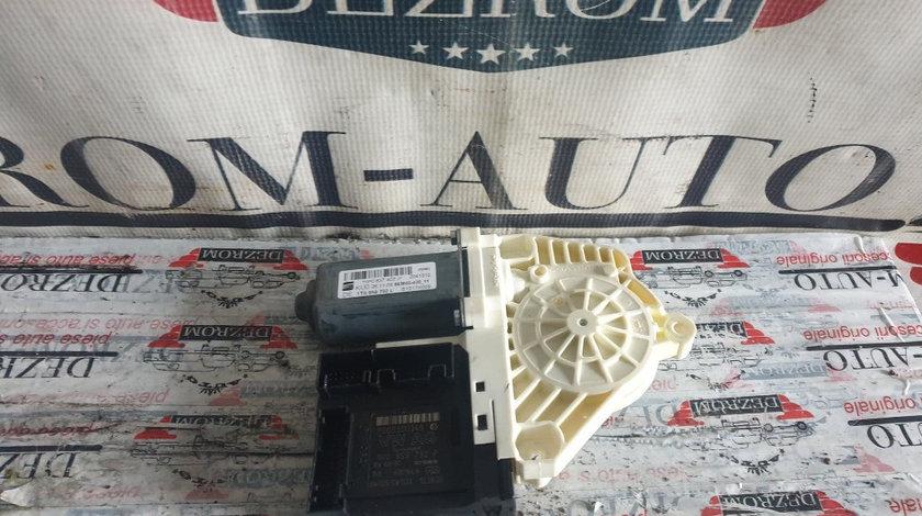 Motoras macara geam dreapta fata VW Passat CC coduri : 1T0959702L / 1P0837402J