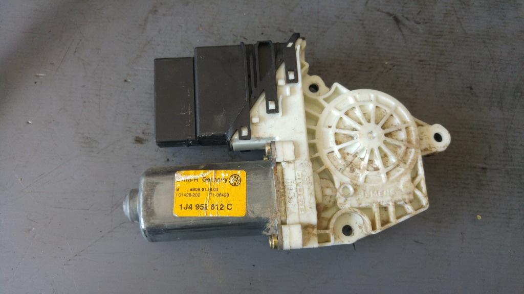 Motoras macara geam dreapta spate vw golf 4 1j4959812c