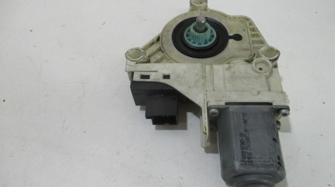 Motoras macara geam stanga spate Audi A6 an 2004-2011 cod 4F0959801A